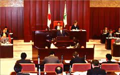富山県議会一般質問に登壇